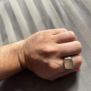 NIB Silver tone men's Signet ring